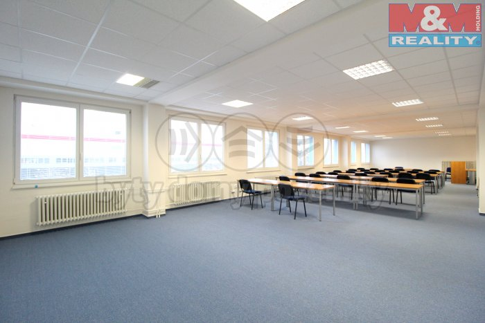 Pronájem, kacelářské prostory, 2700 m2, Praha 9 - Letňany