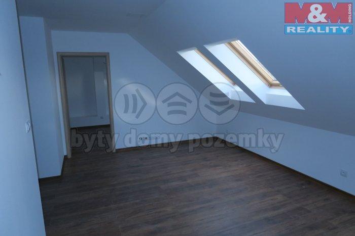 Prodej, byt 3+1, 70 m2, Hlučín, ul. Jarní