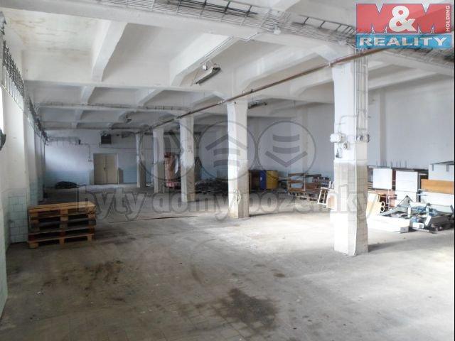 Pronájem, skladové prostory, 275 m2, Bruntál