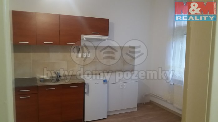 Pronájem,byt 1+1,37 m2, Plzeň, ul. Poštovní