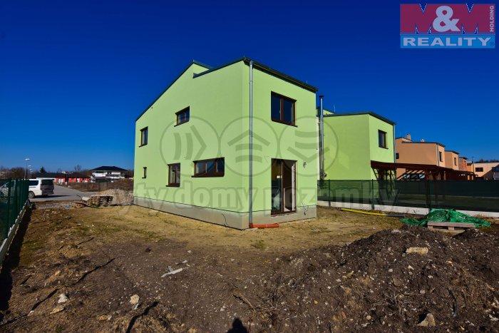 Prodej, rodinný dům 4+kk, 388 m2, Milovice, Tyršová