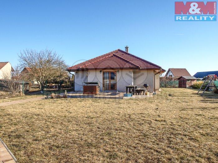 Prodej, rodinný dům, 4+kk, 153 m2, Tišice, ul. Akátová