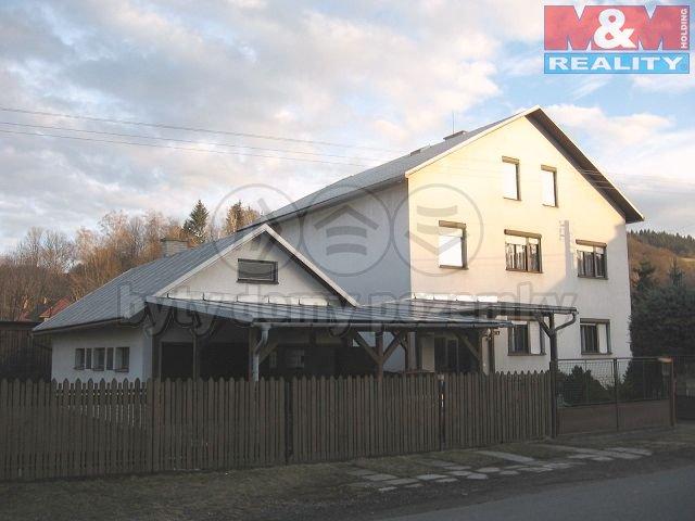 Prodej, rodinný dům 8+2, Lhota u Vsetína