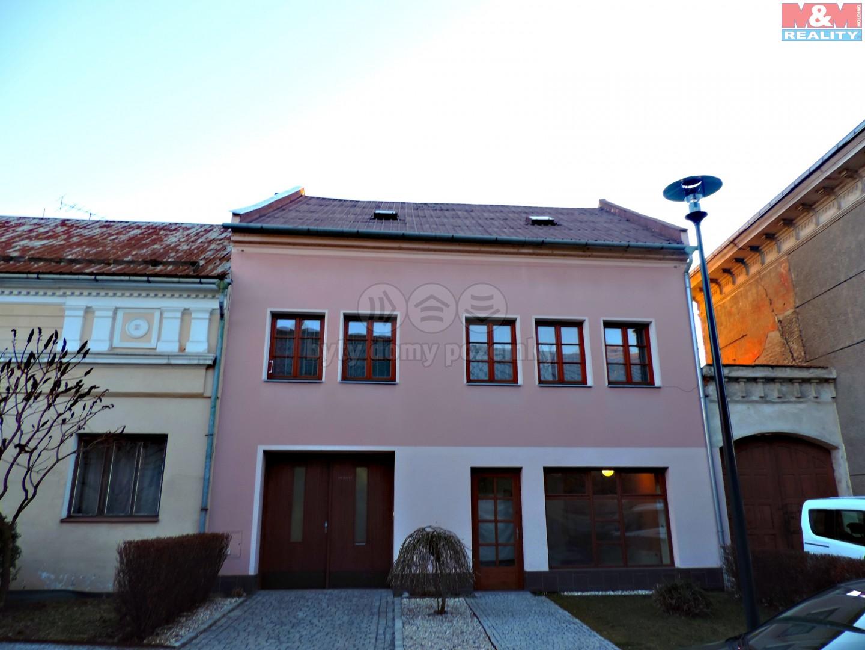 Prodej, rodinný dům, 705 m2, Tovačov