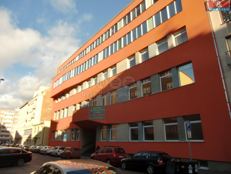 Pronájem, kancelářské prostory, 702 m2, Praha 9 – Libeň