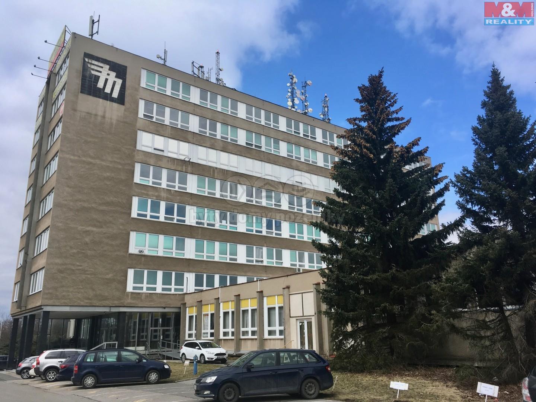 Pronájem, skladové prostory, 1800 m2, Praha 5, ul. Bavorská