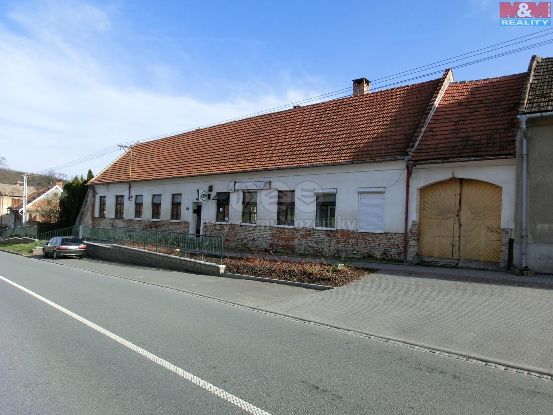 Prodej, rodinný dům, 658 m2, Roštín