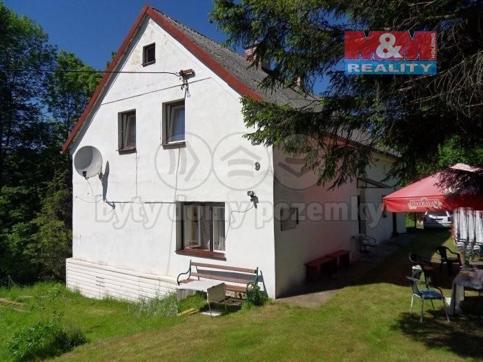 Prodej, rodinný dům 7+1, Česká Ves