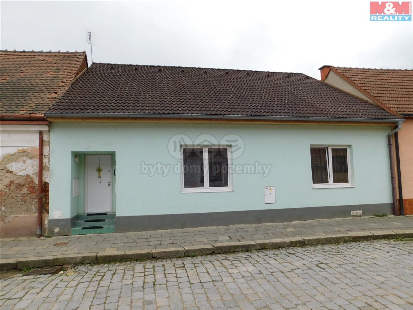 Prodej, rodinný dům, 3+1, 1118 m2, Dolní Kounice