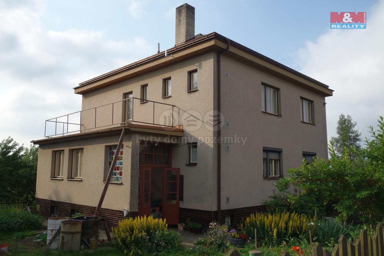 Prodej, rodinný dům 6+2, 1182 m2, Slavíkov