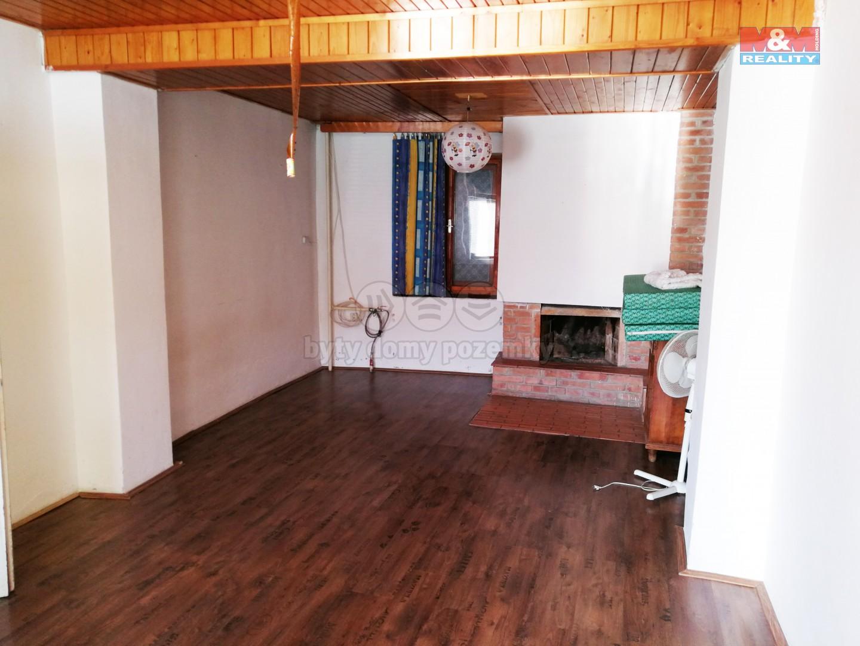 Prodej, rodinný dům 3+1, 1804 m2, Milešovice