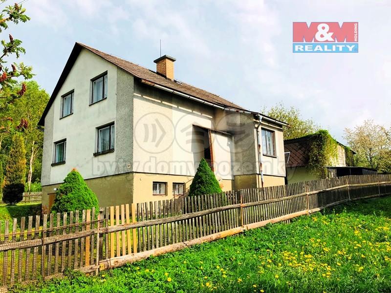 Prodej, rodinný dům 5+1, 210 m2, Maletín, garáž