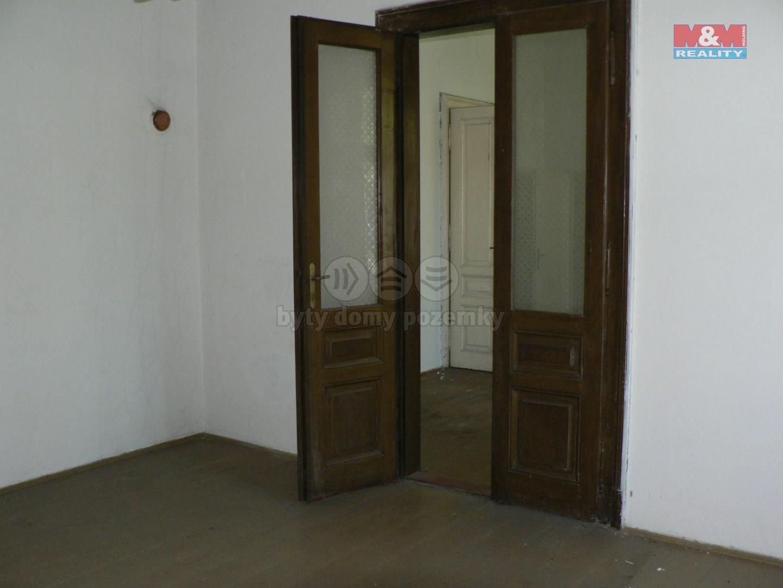 Prodej, rodinný dům 8+2, 1180 m2, Uherské Hradiště