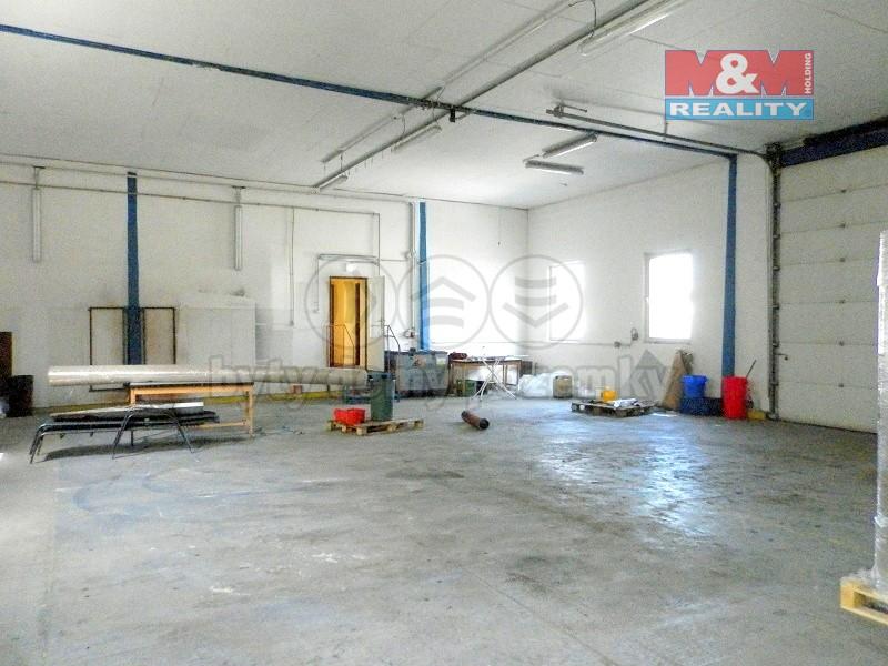 Pronájem, skladovací prostory, 258 m2, Bruntál