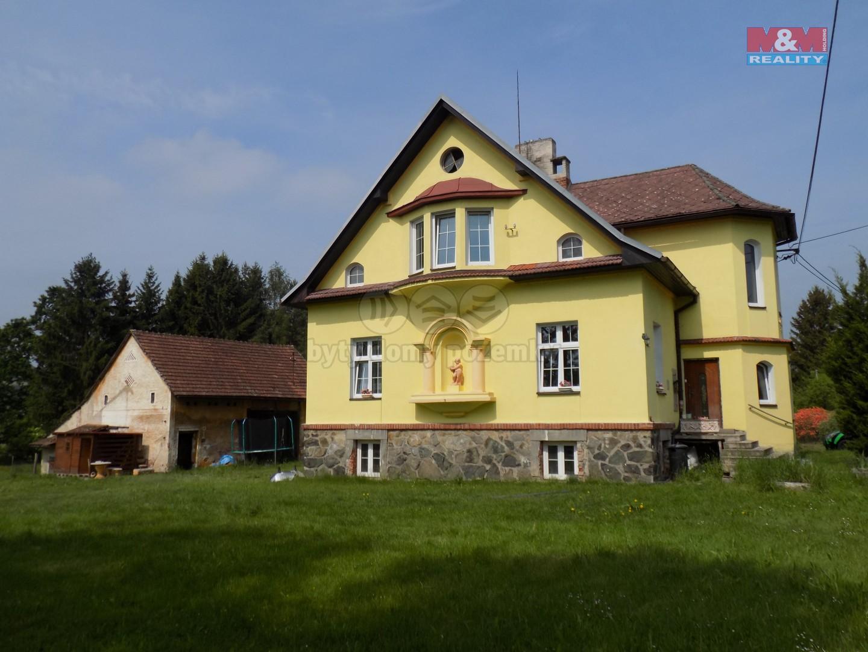 Prodej, rodinný dům, 785 m2, Pocinovice