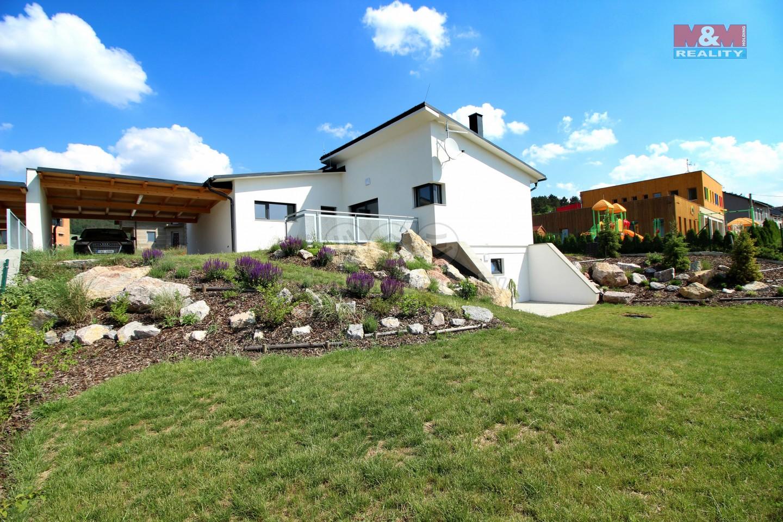 Prodej, rodinný dům 5+kk, 709 m2, Králův Dvůr, ul. Tři Vršky