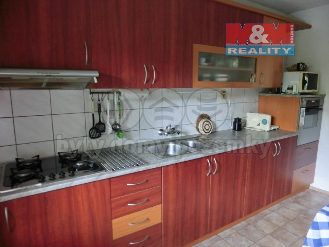 Prodej, rodinný dům, 239 m2, Bílovice