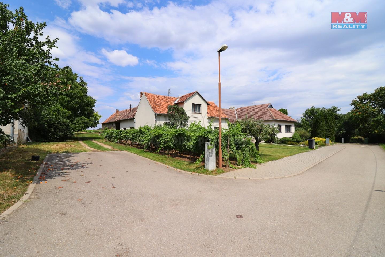 Prodej, rodinný dům 4+1, 719 m2, Práče