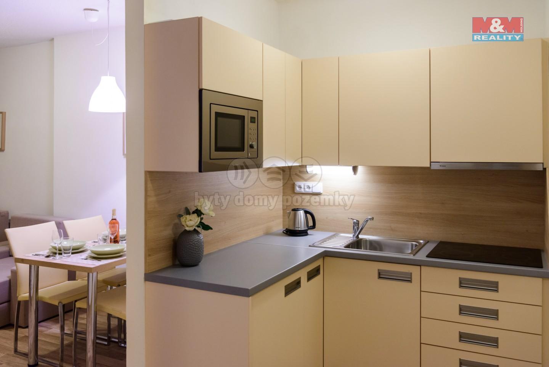 Prodej, byt 2+kk, 42 m2, Všemina