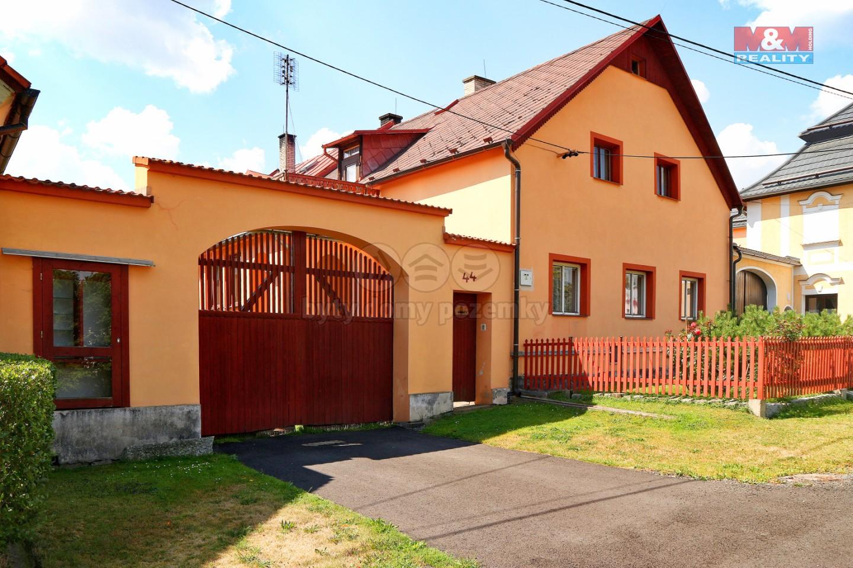 Prodej, rodinný dům 4+1, 2950 m2, Zadní Chodov