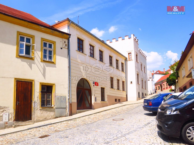 Prodej, byt 3+kk,110 m2, Znojmo, ul. U Brány