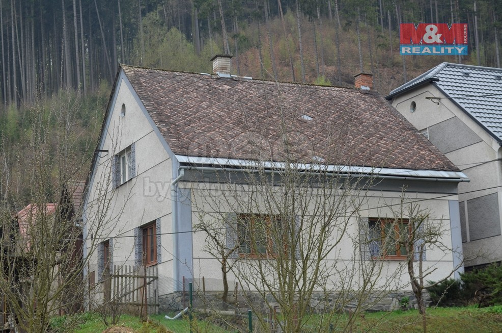 Prodej, rodinný dům, 439 m2, Klášterec