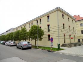 Pronájem, byt 2+kk, 50 m2, Hradec Králové, ul. Plácelova