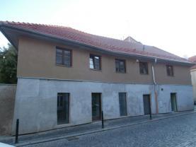 Pronájem, byt 1+kk, 33 m2, Slaný, Kynského ul.