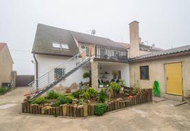 Prodej, rodinný dům, 684 m2, Břešťany