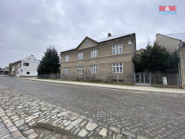 Prodej rodinného domu, 300 m², Cholina