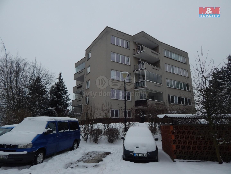 Pronájem bytu 3+1 v Dobrušce, ul. Družstevní