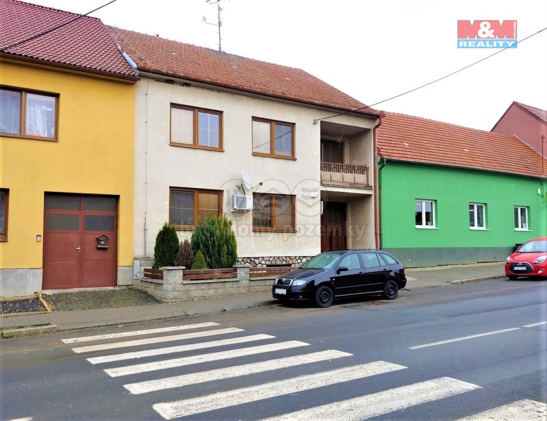 Prodej rodinného domu, 899 m2, Krumvíř