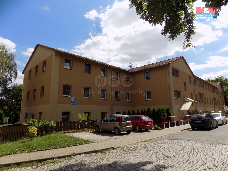 Pronájem, byt 3+kk, 80 m2, Milovice, ul. Kaštanová