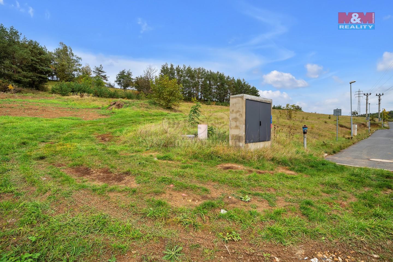 Pozemek k bydlení 1411 m2 obec Statenice se zahradou 4889 m2