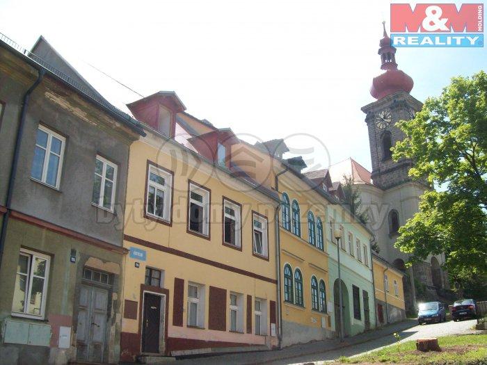 Prodej, rodinný dům, 381 m2, Bečov nad Teplou