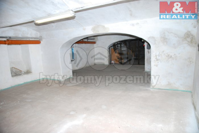 Pronájem, skladové prostory 60 m2, Sedlčany