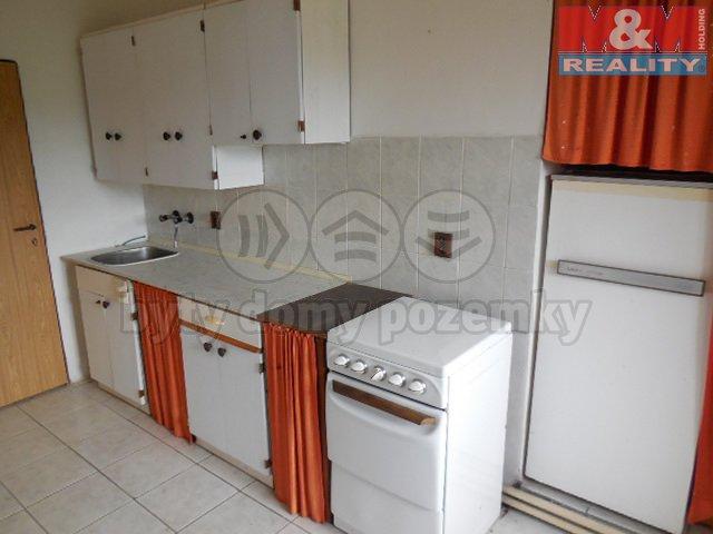 DSCN0909 (Prodej, rodinný dům, 2x 4+1, 1583 m2, Chockov), foto 1/13