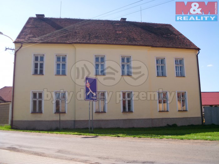IMG_0289 (Prodej, rodinný dům, 13 + 1, 2227 m2, Milostín), foto 1/44