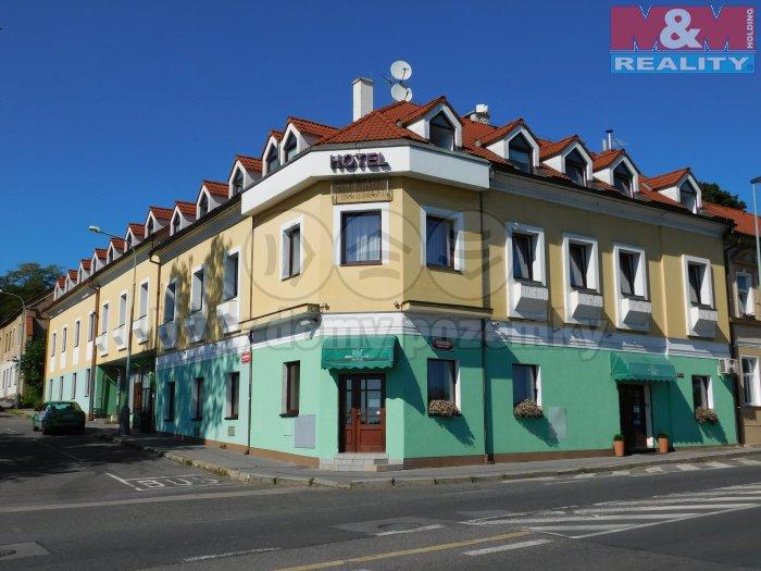 DSCN1334 (Prodej, hotel, 1085 m2, Praha 9 - Prosek), foto 1/8