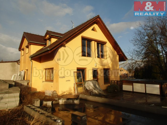Pohled na dům (Prodej, rodinný dům, 500 m2, Bohušovice nad Ohří), foto 1/37