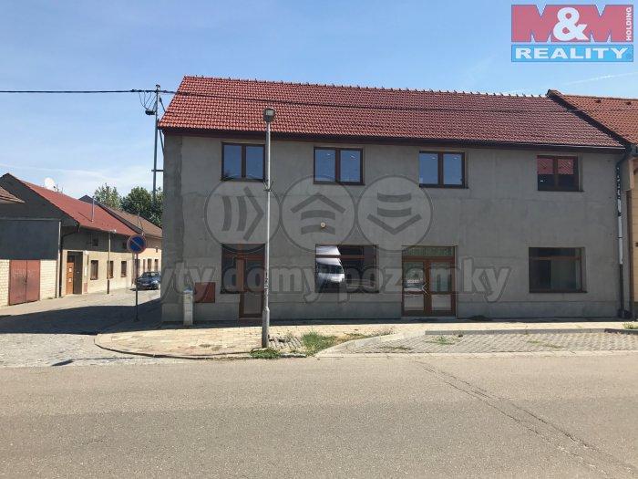 IMG_3549 - kopie (Prodej, obchodní prostory, 313 m2, Chropyně), foto 1/20