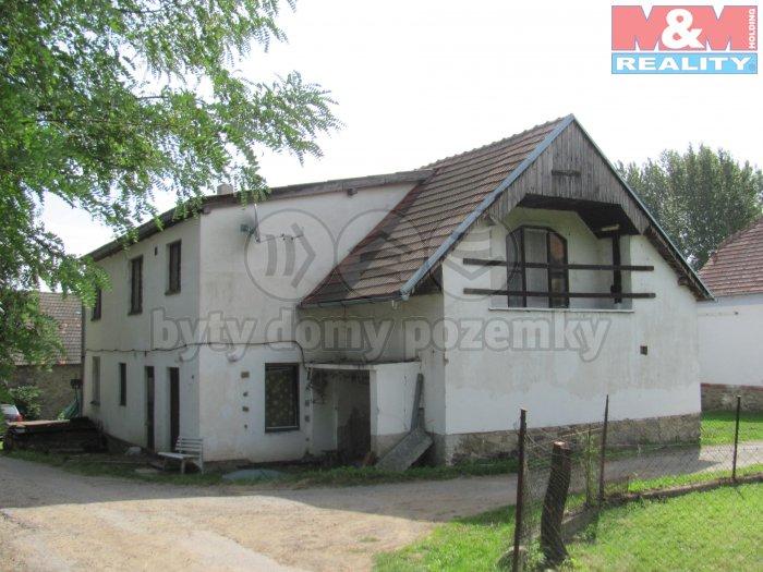 IMG_0760 (Prodej, rodinný dům, 5499 m2, Předslavice), foto 1/15