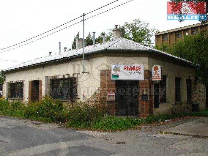 Pohled z ulice (Pronájem, komerční objekt, Ostrava - Hulváky, ul. Varšavská), foto 1/5