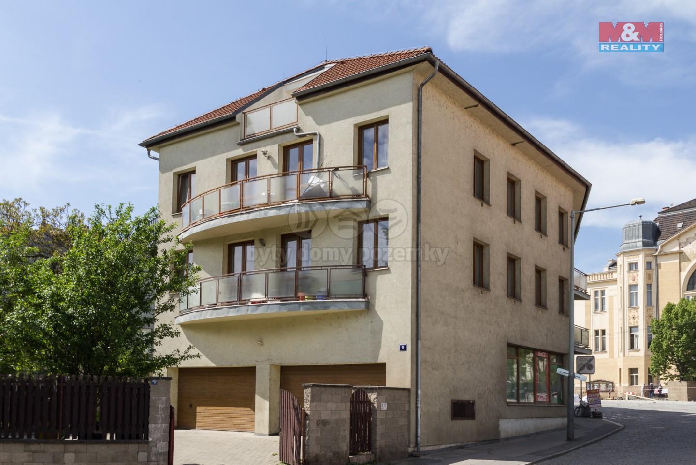 Pohled od severovýchodu (Prodej, byt 3+kk, 83 m2, Praha 8, Stejskalova ul.), foto 1/10