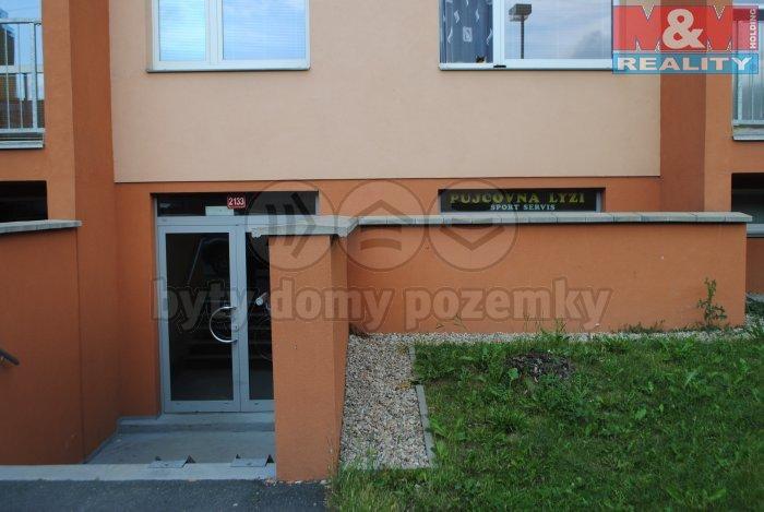 budova (Pronájem, obchodní prostory, 38 m2, Nymburk, ul. Sadová)