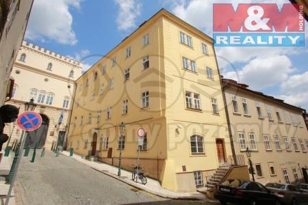 Pohled na dům (Pronájem, kancelář, 89 m2, Praha 1 - Malá Strana), foto 1/8