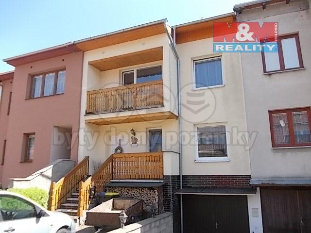 Prodej, rodinný dům 5+1, Chlumec, ul. Zalužanská