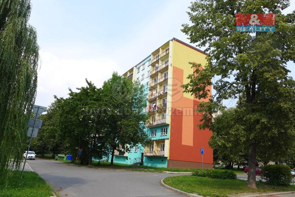 pohled na dům (Prodej, byt 3+1, 63 m2, Havířov, ul. Dlouhá třída), foto 1/14