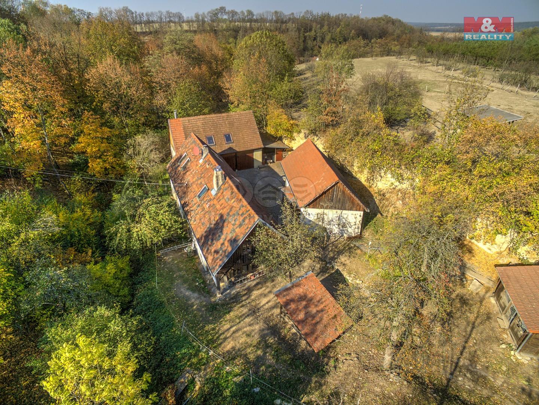 Prodej, zemědělská usedlost, 21160 m2, Vraclav