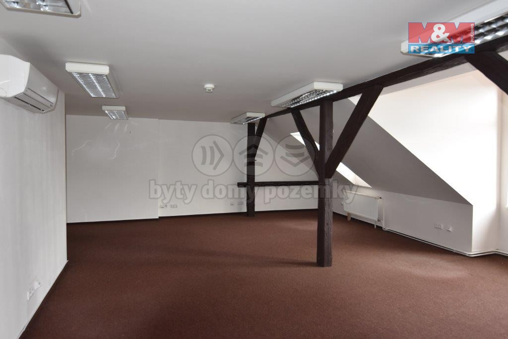 Pronájem, kanceláře, 85 m2, Liberec, nám. Dr. E. Beneše